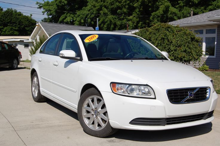 2009 volvo s40 for sale at 1st choice Auto LLC in fairveiw pa! for more information call (814)840-4012