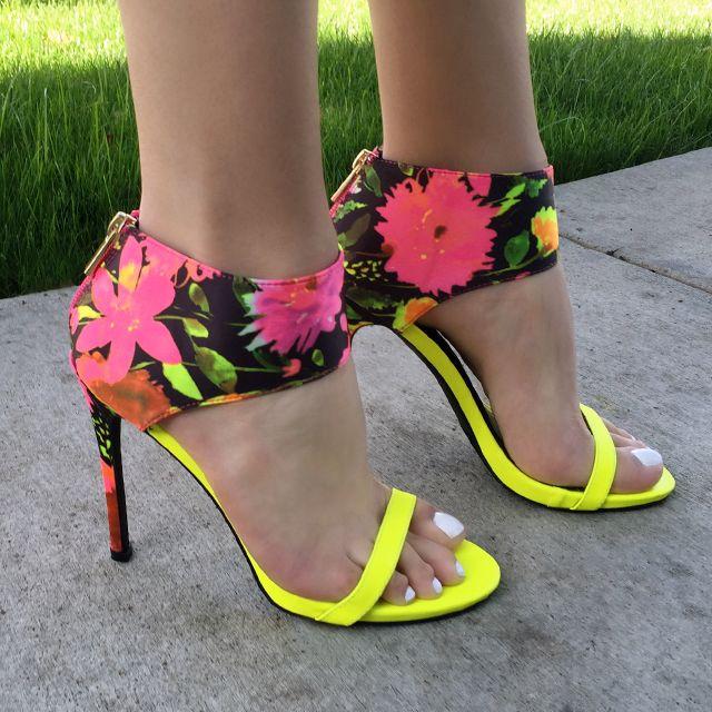 Frauen Offene Spitze Sandalen mit Hohen Absauml;tzen Exklusive Farbe Strass Kette Transparente Hochhackige Sandalen