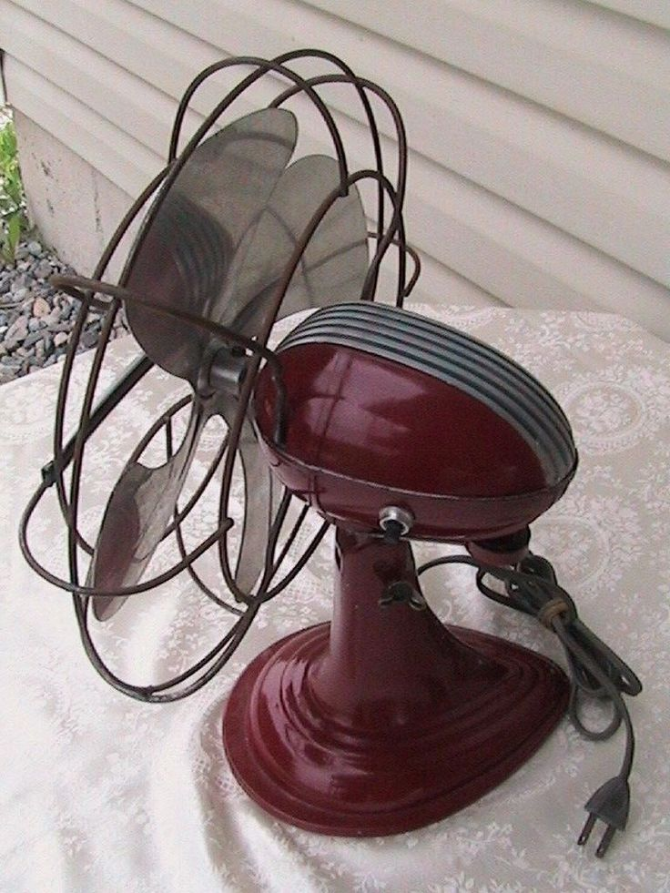 Vintage Art Deco Red Westinghouse Oscillating Electric 12