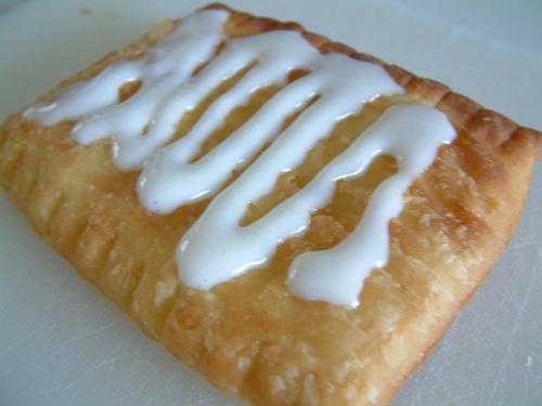 Toaster Strudel glaze recipe - 1/3 cup confectioners sugar, 1 tbsp cream/half n' half, 1/4 tsp vanilla extract.