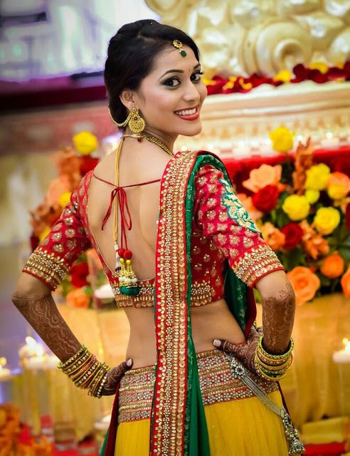 Indian hot and erotic brides very sexy navel and juicy body curve amazing sensuous wallpapers pics collection that are very cute seducing to...