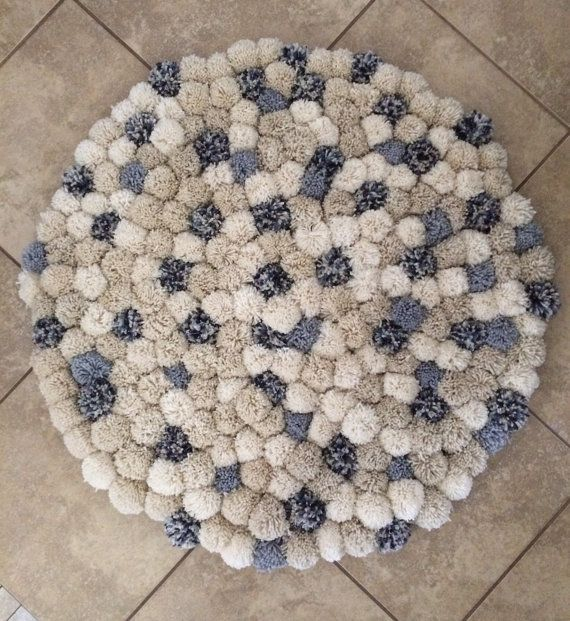 17 best ideas about pom pom rug on pinterest pom pon - Tipos de alfombras ...