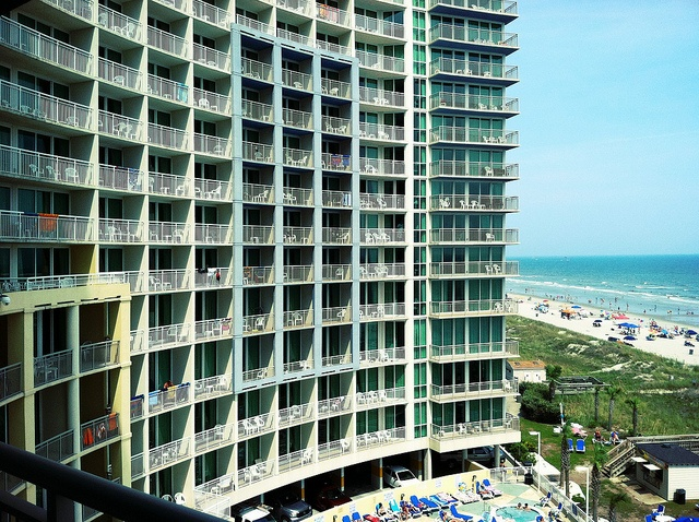 Private balconies at Avista Resort offer the perfect view of the ocean in North Myrtle Beach, SC! Check out all our room types here http://www.avistaresort.com/accommodations-en.html