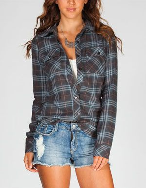 FULL TILT Vintage Womens Flannel Shirt  Love the fit, maybe not the colors.
