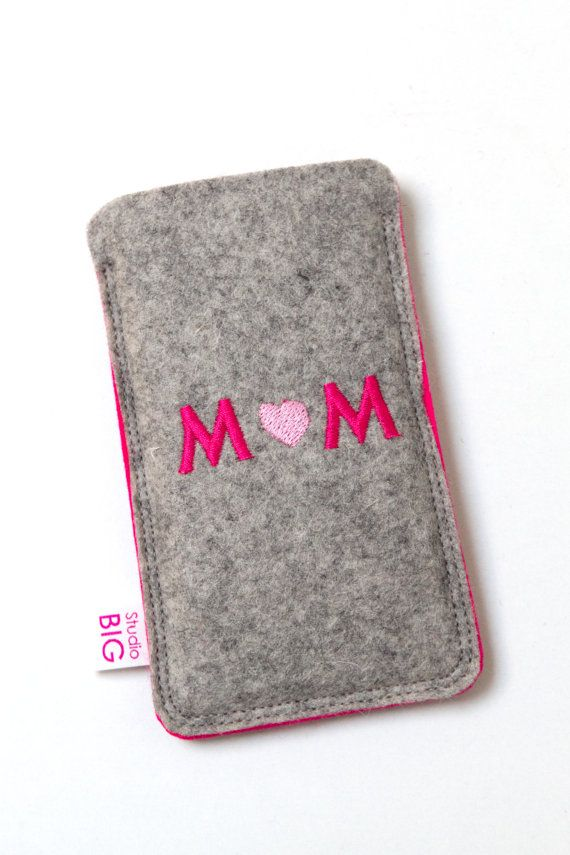 Felt cell phone cover  heathered grey and pink  MOM  by StudioBIG, €17.50