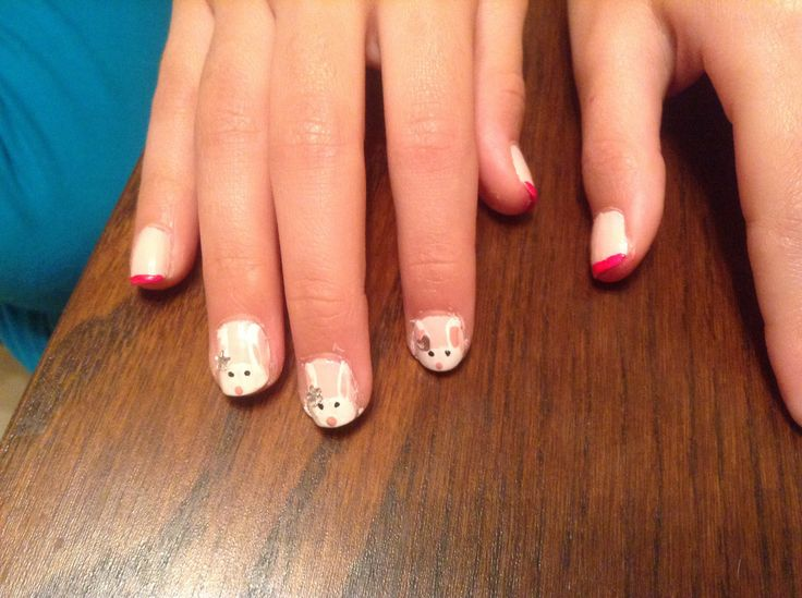 Pretty Easter bunny nails