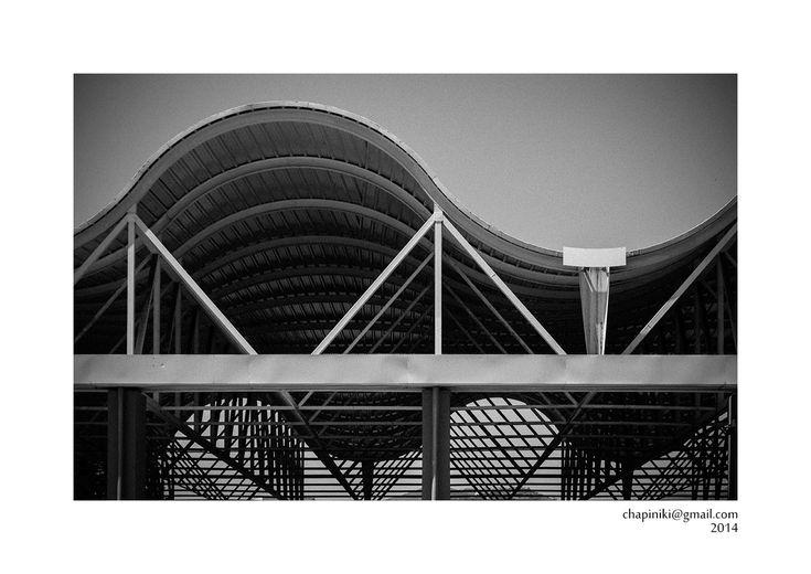 Líneas, sombras y reflejos: Cubierta de líneas y curvas