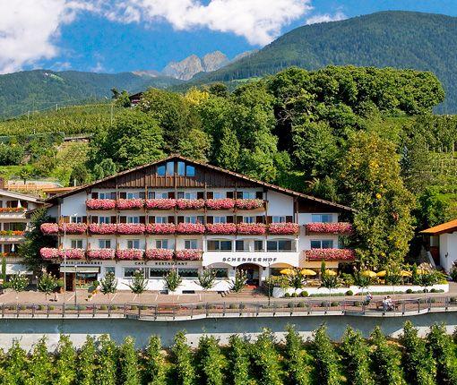 Das traditionelle Hotel Schennerhof in Schenna bei Meran. http://www.schennerhof.com