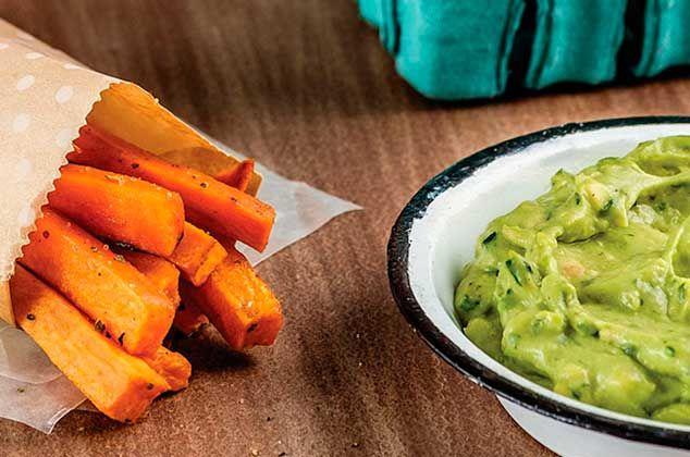 Receta de camote frito sweet potato  con dip de aguacate es la adecuada para ti.