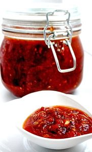 Фото к рецепту: Сацебели (универсальный томатный соус)