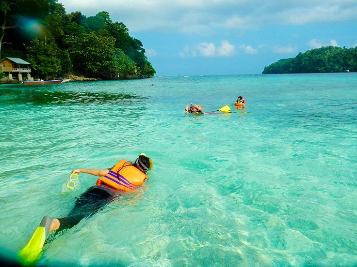 DESTINATION > Mari kita bersnorkeling ria sembari menikmati salah satu taman laut terbaik di Indonesia dengan air laut yang sangat jernih merupakan aktivitas yang tidak boleh terlewatkan jika mengunjungi pantaiIboih di Pulau Weh, Sabang.