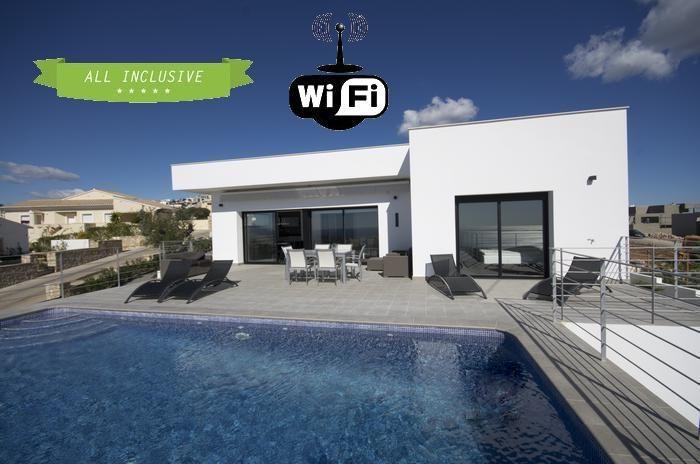 12 best villas para alquilar villas for rent images on for Casa moderna alicante