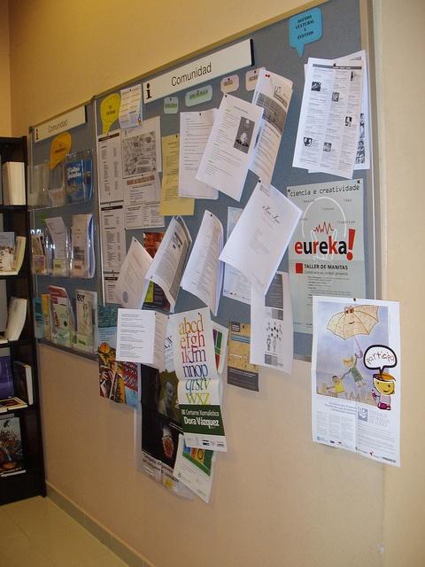Sección de Préstamo. Tablón de anuncios del Servicio de Información a la Comunidad.
