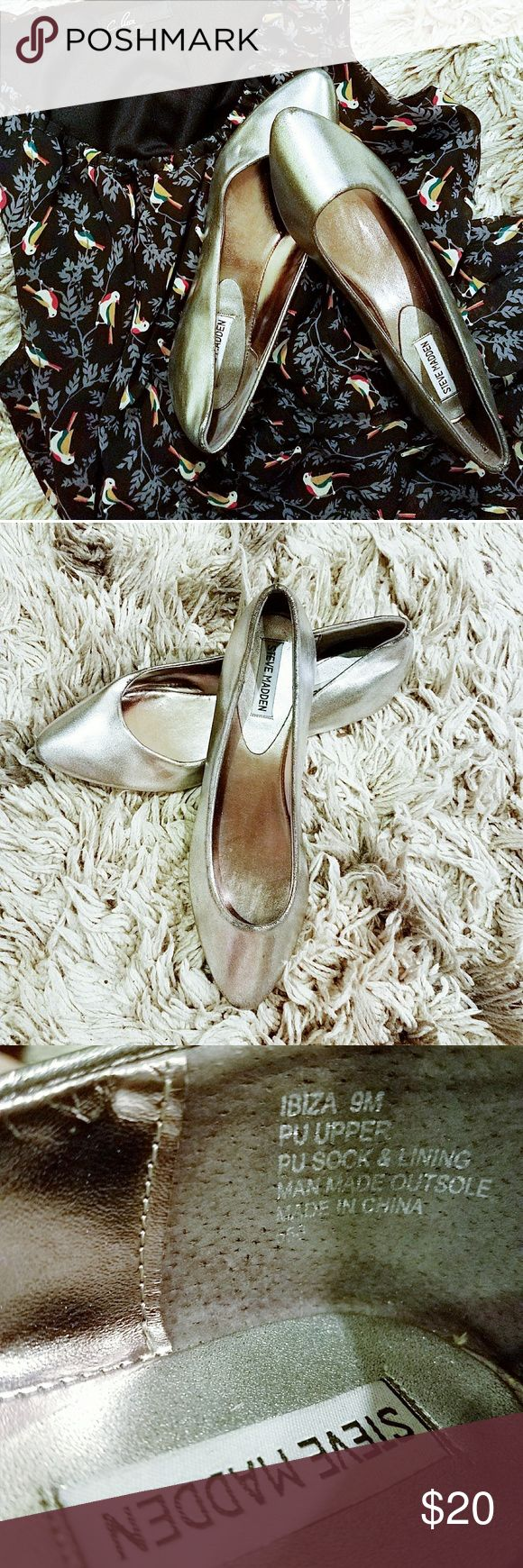 """Steve Madden - """"Ibiza"""" flats - 9 From DSW: """"Stay on point with these sophisticated pointed toe flats from Steve Madden. The Ibiza flat will keep your casual look sleek and chic.""""  Silver color, VGUC, size 9M.  🌼DRESS AVAILABLE IN SEPARATE LISTING🌻 Steve Madden Shoes Flats & Loafers"""