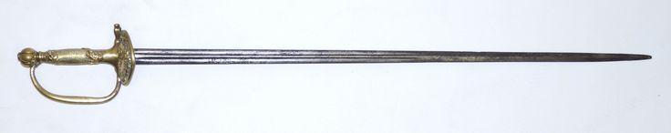 Een marine onderofficiers zwaard, rapier, messing gevest, greep met blader motieven en pompoenvormige pommel, onduidelijk gesigneerd Ducleuse?, Klingenthal, Frankrijk vroege 19e eeuw