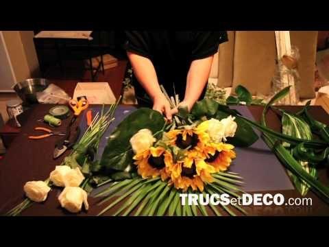 Comment réaliser une gerbe de fleurs ou une composition florale ? - Tutoriel par trucsetdeco.com - YouTube