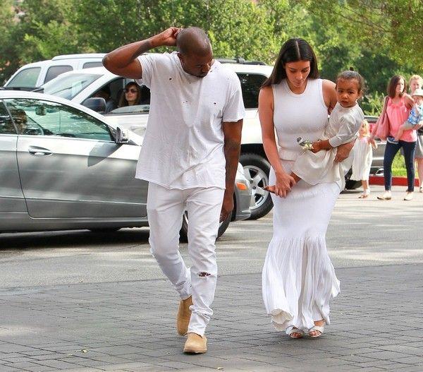 Kim Kardashian Style - Kim Kardashian Photos: The Kardashian-Jenner Family Celebrates Easter