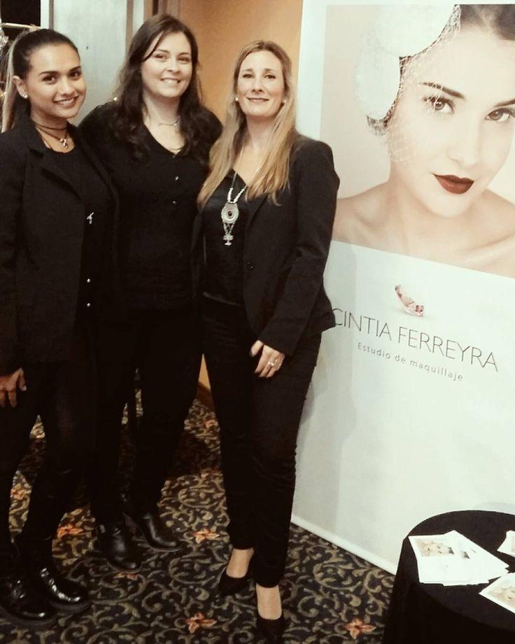#exponovias #milopciones #staff #cintiaferreyraestudiodemaquillaje @mairaariana.makeup @varuskamakeup equipazo!!! ���������� también agradecer a @marcenadaya que vino exclusivamente a maquillar a los locutores del evento! Gracias colega amiga!  #novias #weddingmakeup #hairstyle #peinado #eventos #Party #quinceañera # http://gelinshop.com/ipost/1514867412595349383/?code=BUF4-K5j5eH