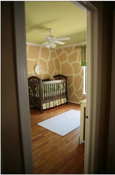 love these giraffe walls!: Giraffes Wall, Giraffes Prints, Idea, Boys Rooms, Giraffe Print, Baby Rooms, Giraffes Nurseries, Kids Rooms, Accent Wall