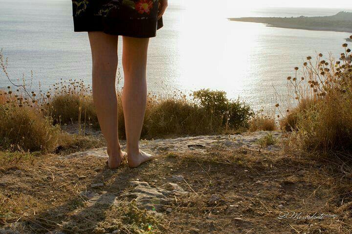 Quando un pensiero ti domina lo ritrovi espresso dappertutto, lo annusi perfino nel vento. Thomas Mann Abbandonarsi ai propri pensieri per un'ora,ogni giorno,senza scopo:basta questo pe…