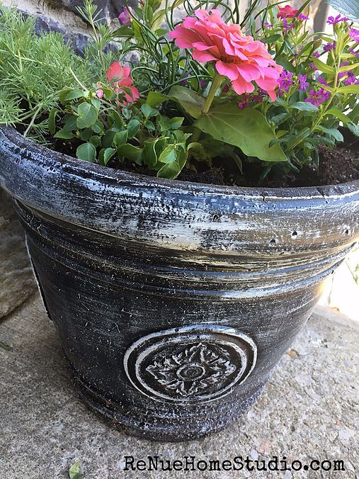 Are you tired of your sick-and-tired Flower Pots and Planters? The good news is that you can update your Pots and Planters in less than 15 minutes. It's a quic
