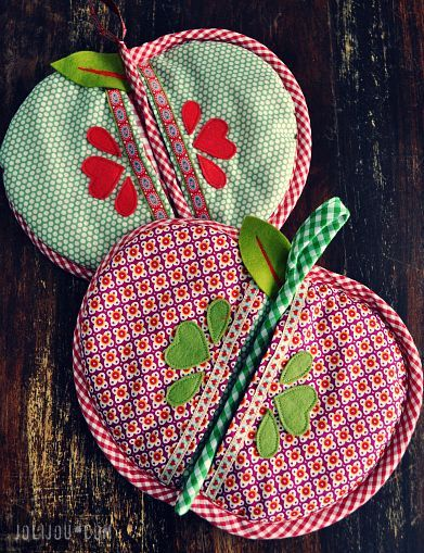 'Granny Smith' Apple Potholder PDF Tutorial and Pattern (english download at bottom):
