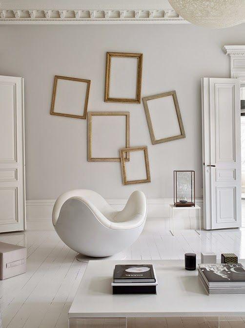 empty old frames @ Anna Truelsen inredningsstylist: Vakre hjem & interior nr 3 2015