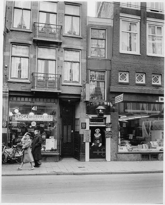Amsterdam, 1952 restaurant de groene lantaarn in de Haarlemmmerstraat nr. 43.
