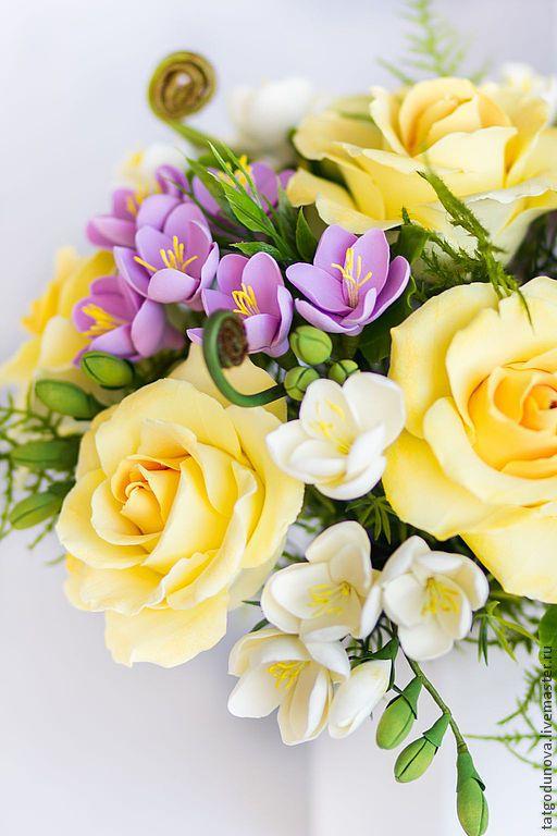 """Купить Букет """"Весеннее утро"""". Цветы из глины. - жёлтый, яркий, весна, желтые розы, фрезии"""