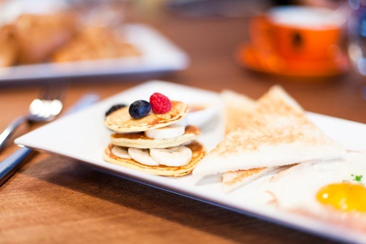 banana pancakes | photocredit: tony gigov | http://www.diefruehstueckerinnen.at