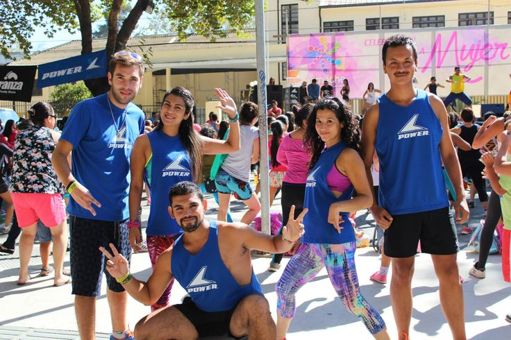 Power Zumba instructors from Limache (Chile) ready to lead a 1K masterclass.