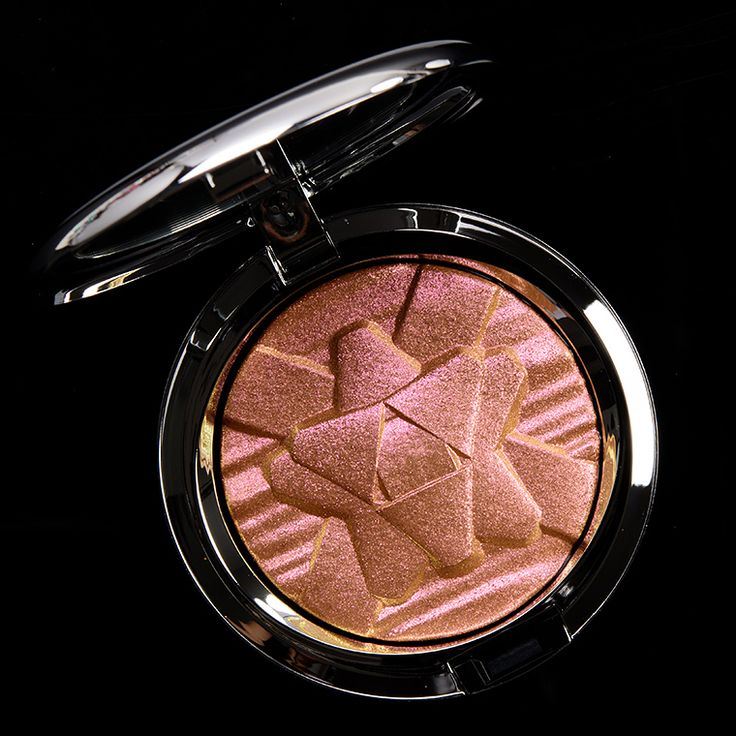 Mac Snowflushed Extra Dimension Skinfinish Review