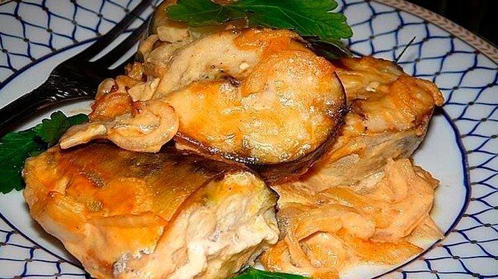 Я очень люблю скумбрию и готовлю её по разным рецептам. В этот раз запекла рыбку ...