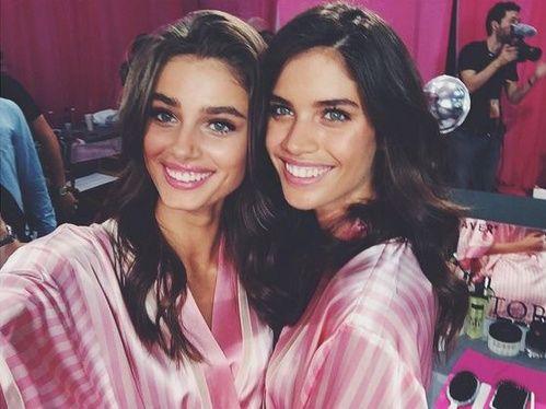 Les coulisses beauté du défilé Victoria's Secret avec Taylor Hill