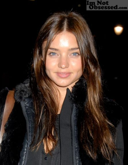 Does Miranda Kerr have make-up on here?     #beauty