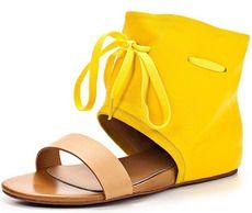 Желтые сандалии Evita