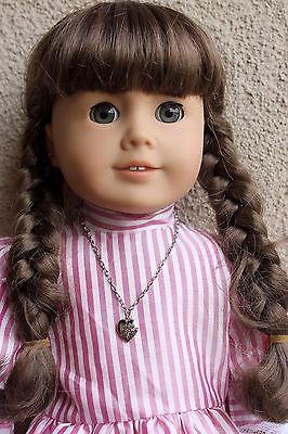 Retired-MOLLY-AMERICAN-GIRL-DOLL-Pleasant-Company-Bonus-HEART-LOCKET