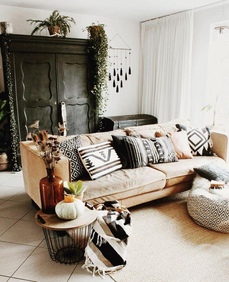 Black Cream And White Livingroom Deco Maison Decoration Salon