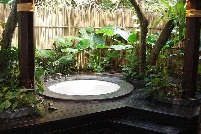 Private outdoor jacuzzi | Jacuzzi, Gardens and Hot tubs
