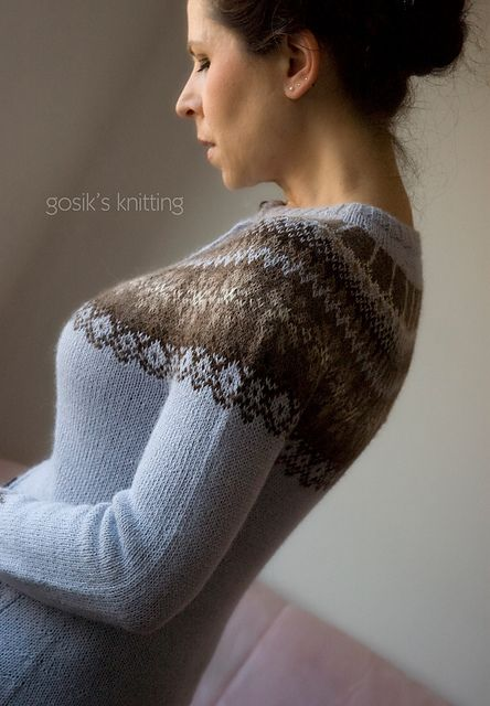 Ravelry: gosiks Bergen- free pattern-. Is this Danish or Icelandic please? Either way, I am intrigued by the colour combinations.