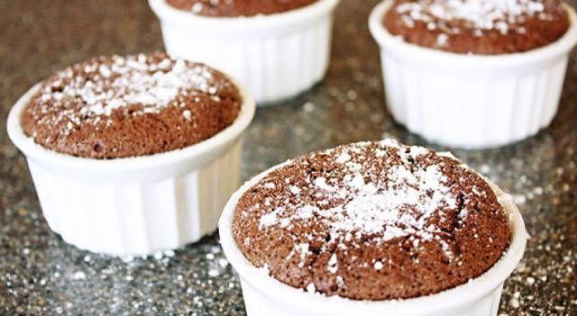 طريقة عمل سوفليه الاوريو بالقشطة والنوتيلا سهلة ولذيذة Chocolate Souffle Chocolate Desserts Fancy Easy Pumpkin Dessert