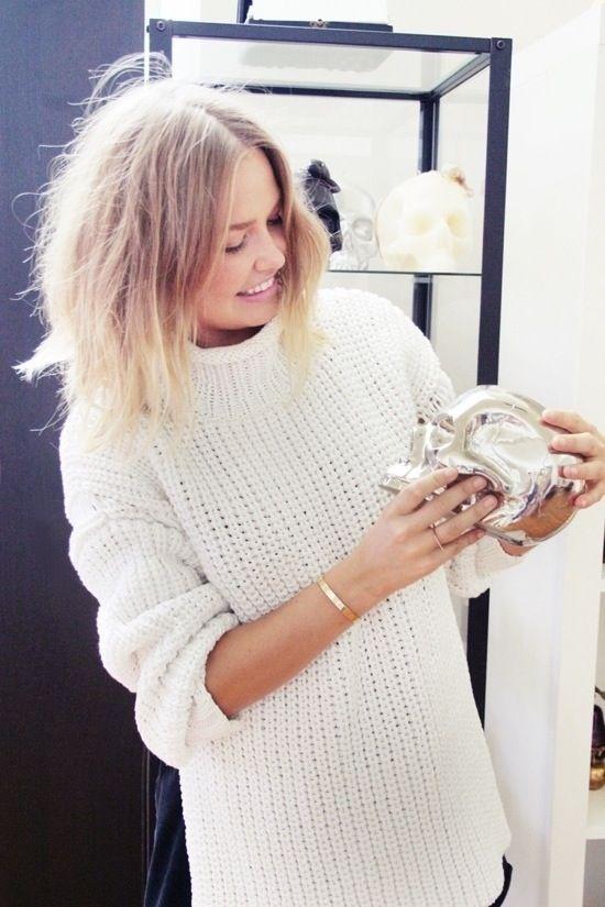 Lara Bingle #skull