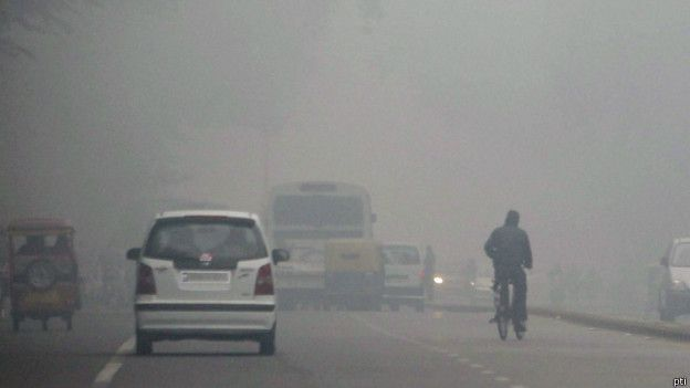 Dense fog cover in Delhi interrupts traffic http://www.classictajtours.com/travel-news/dense-fog-cover-in-delhi-interrupts-traffic.html