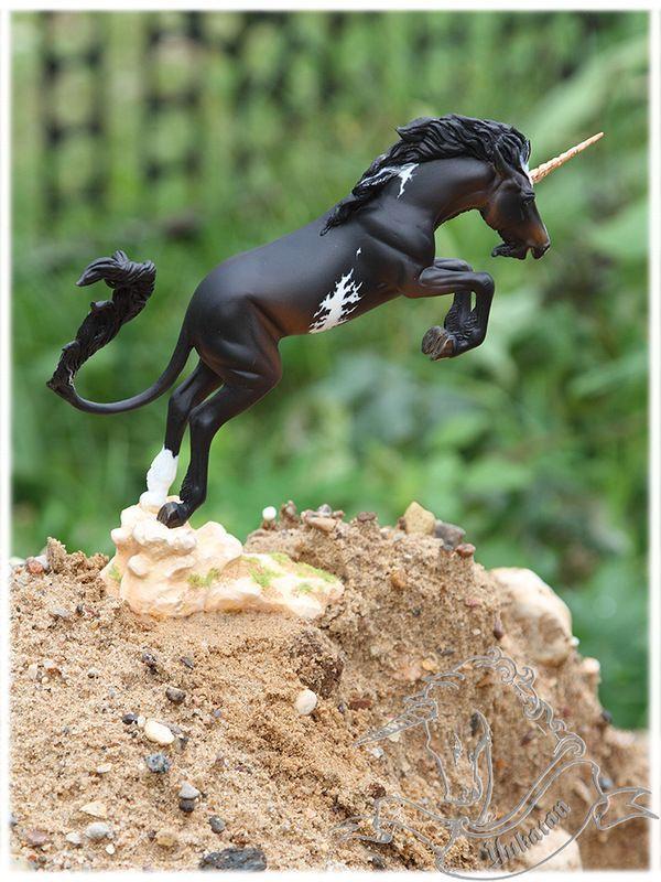 BREYER Wild Bronc Inspired by Frederic Remington's Turn Him Loose @дневники — Единорог. Коллекция фигурок / статуэток