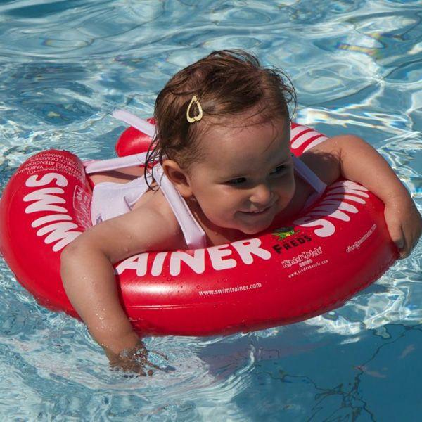 Για να κολυμπάει μόνο του από πολύ πολύ μικρό...