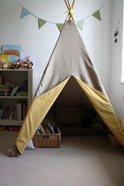 Tipi réalisé à partir du tuto du livre :   Petits riens pour chambre d'enfant...