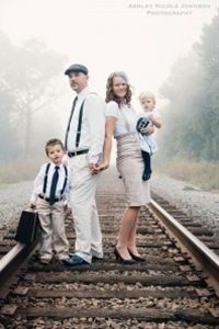 Try a themed wardrobe for a cohesive family photo look. I LOVE their outfits.