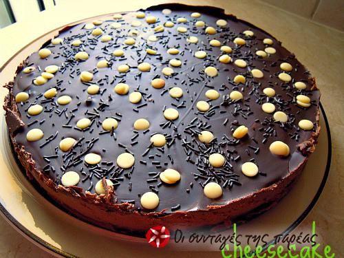 Τσιζκέικ σοκολάτας του Άκη Πετρετζίκη