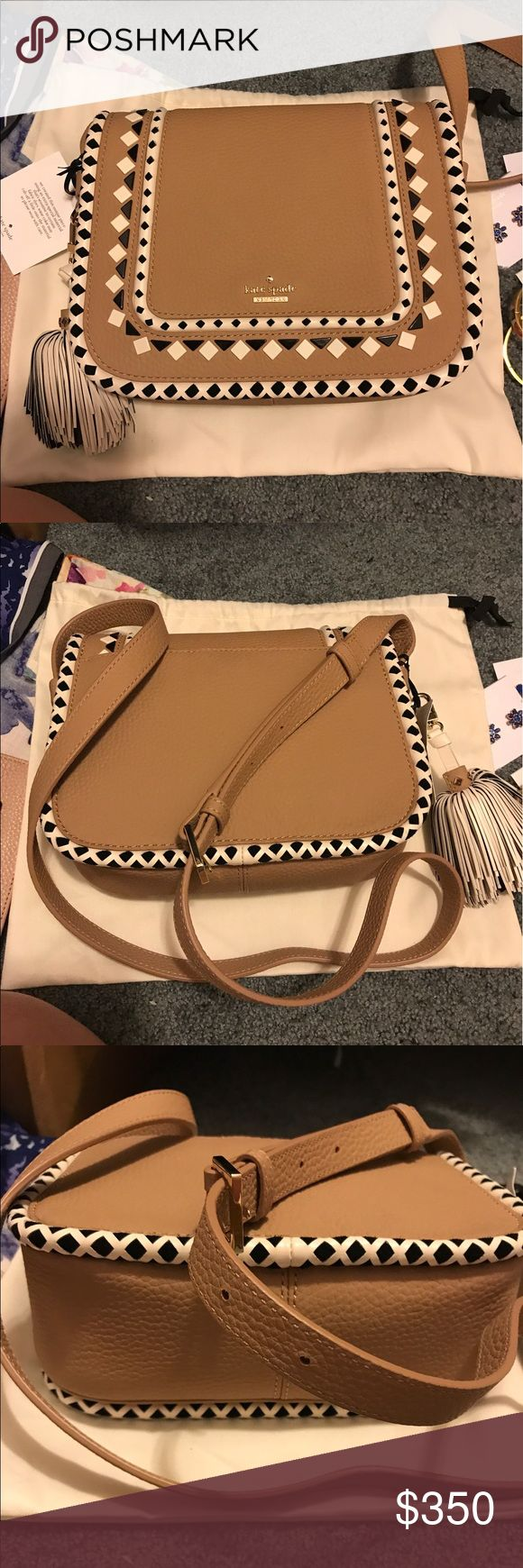 Kate spade cross body purse BRAND NEW WITH TAGS. Kate spade cross body purse in perfect condition. Comes with care card and dust bag. Never used. Will do 280 with ️️! kate spade Bags Crossbody Bags