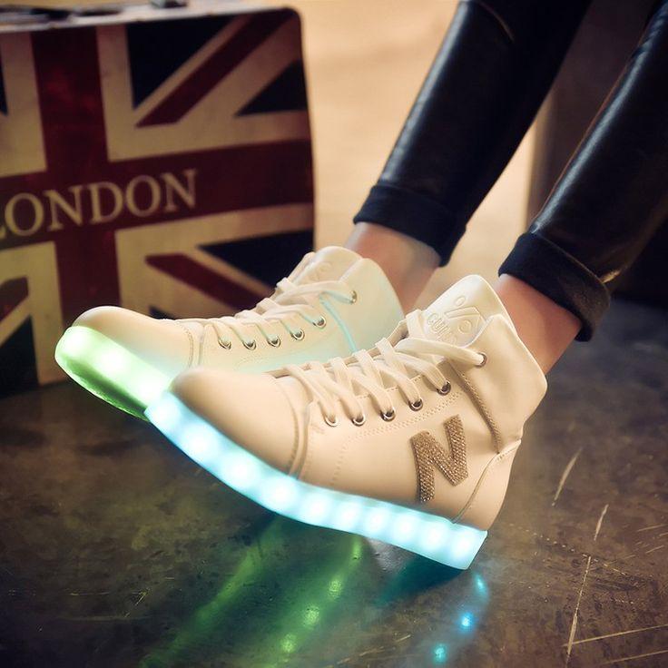 Alta top girls scarpe nuove donne di simulazione raggiante light up  Cestino led luminoso scarpe per adulti femme lampeggiante scarpe led bianco  Nero in   da Scarpe casual da donna su AliExpress.com | Gruppo Alibaba